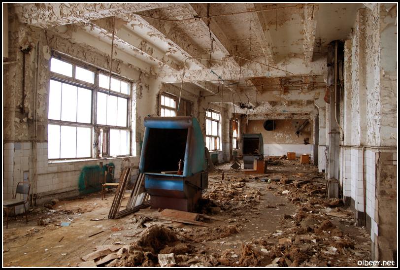 Заброшенный завод с линзами