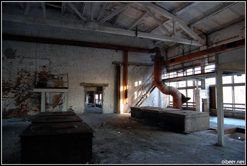 Заброшенный завод. Питер.